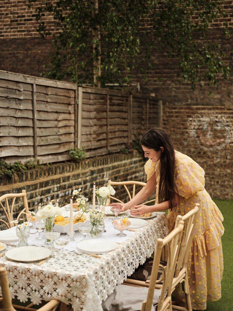 Cacio e pepe ourdoor dining