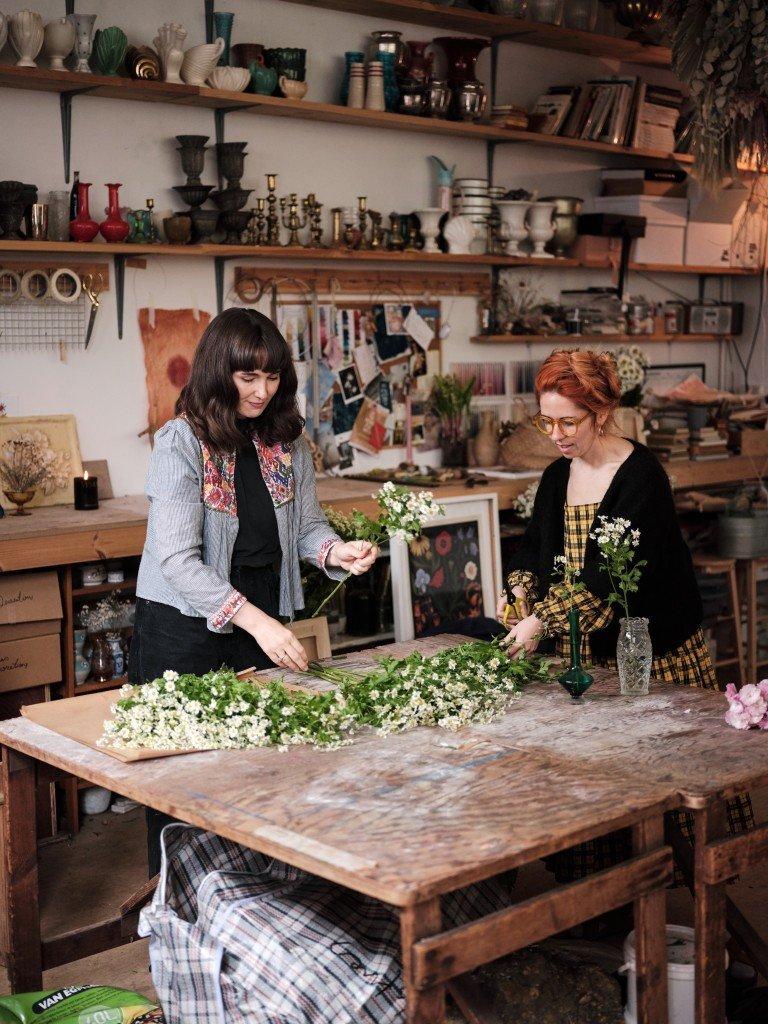 Flower studio, Worm